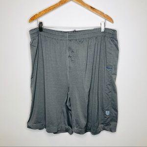 Lululemon Men's XL Basketball Shorts in Light Gray